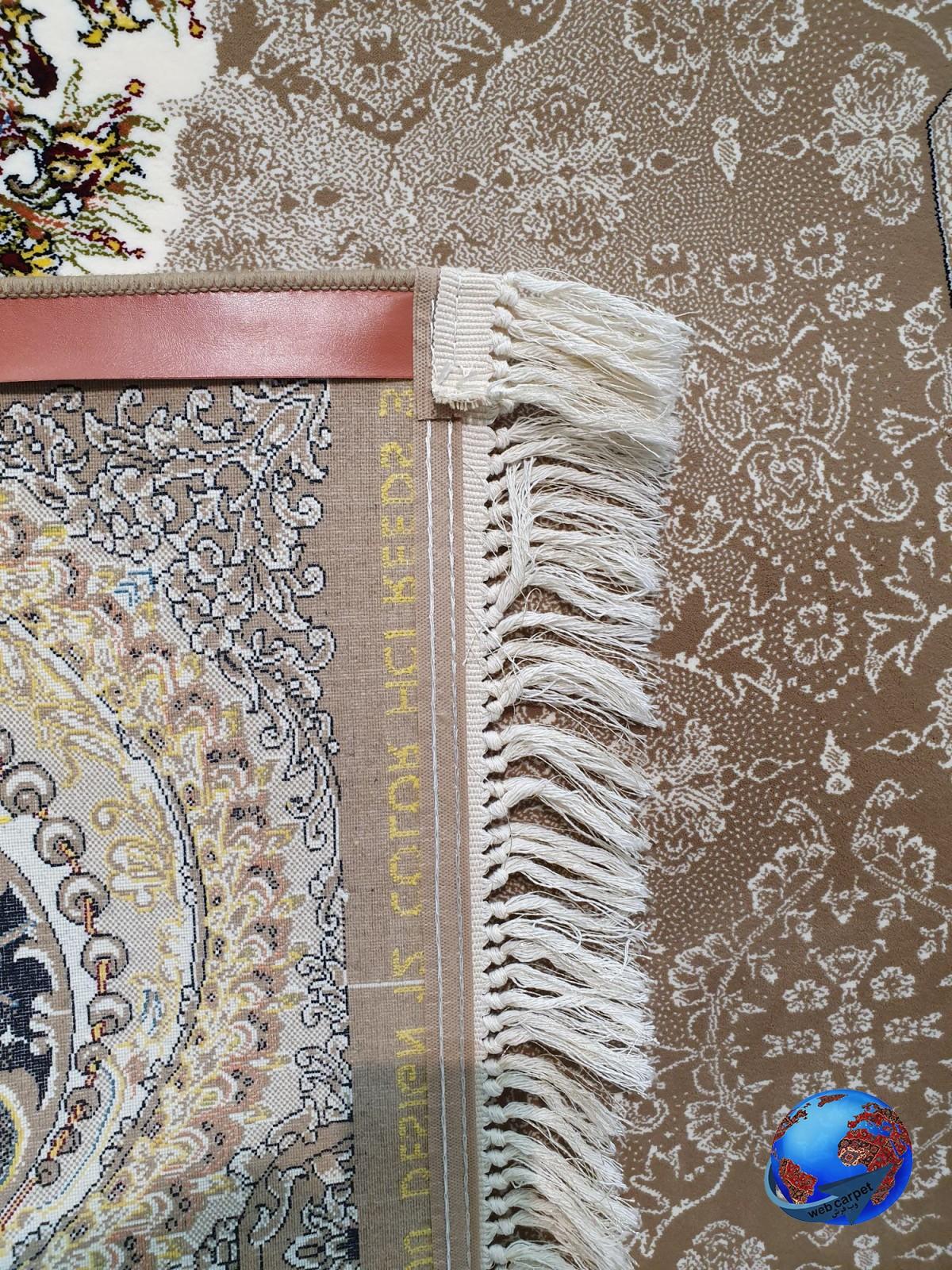 فرش طرح هالیدی گردویی 700 شانه